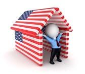 15535660-piccolo-persona-sotto-le-bandiere-americane